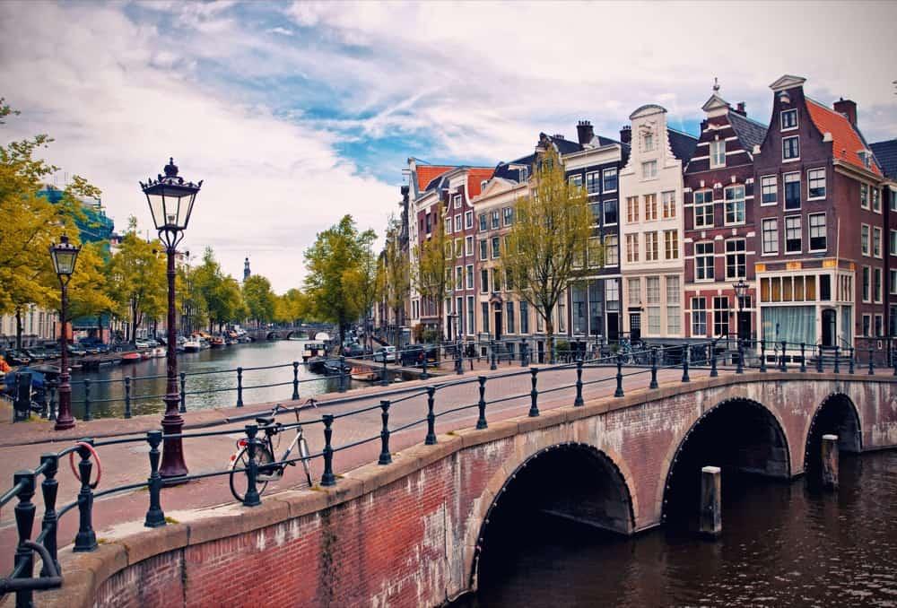 Bandar-bandar Eropah dengan makanan yang halal untuk percutian muslim