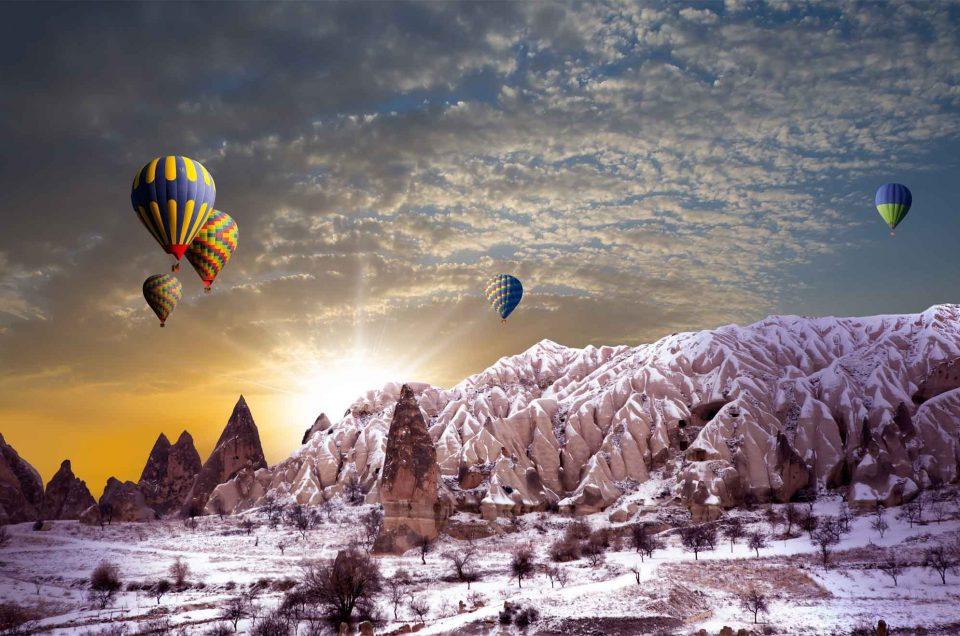 https://hotairballooningsincappadocia.com/wp-content/uploads/2018/06/Fairy-Chimneys-960x636.jpg