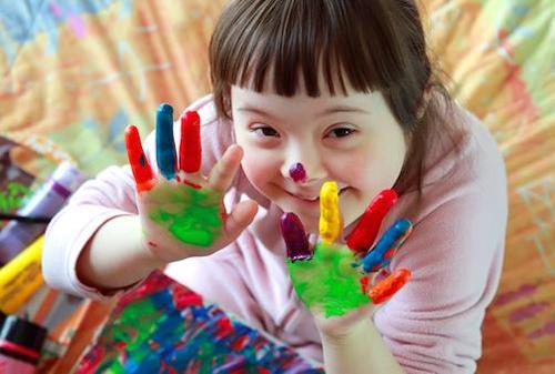 Kenali petanda awal dan corak kelakuan anak yang hidapi Autisme