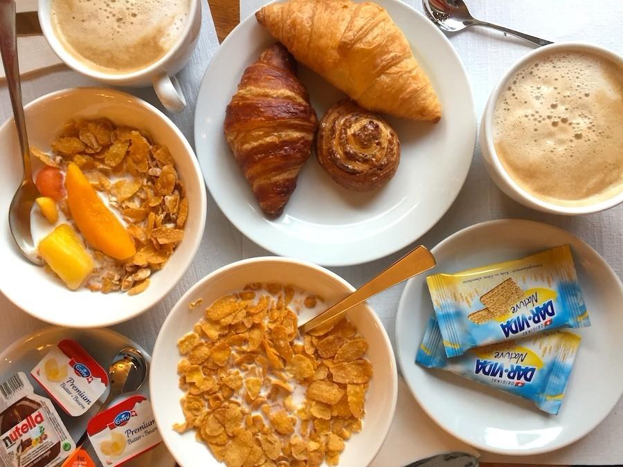 https://admin.havehalalwilltravel.com/wp-content/uploads/2018/01/5c_Airbnb-Breakfast-1-1.jpg