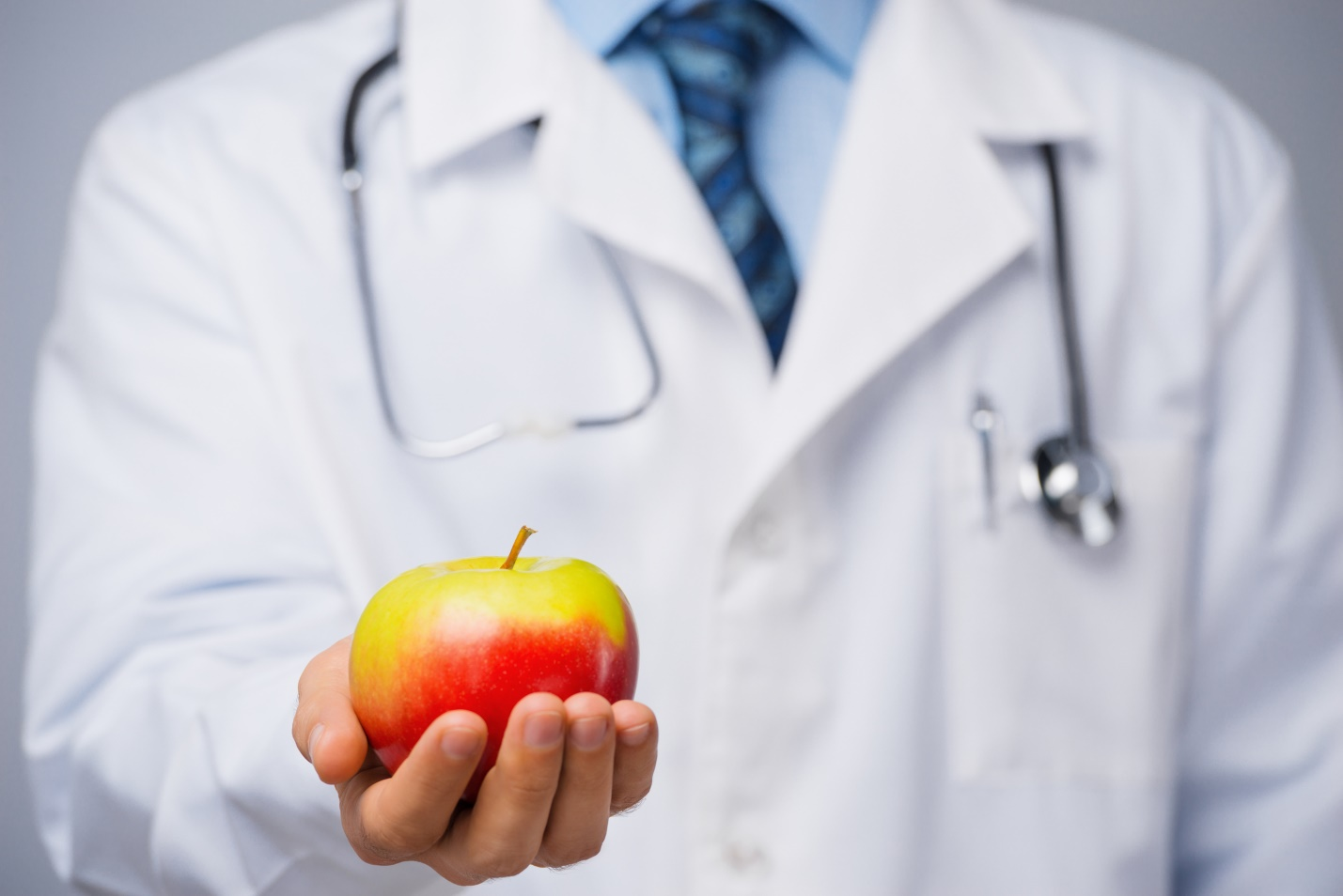 An apple a day may not keep the doctor away, but it's a healthy choice anyway - Harvard Health Blog - Harvard Health Publishing