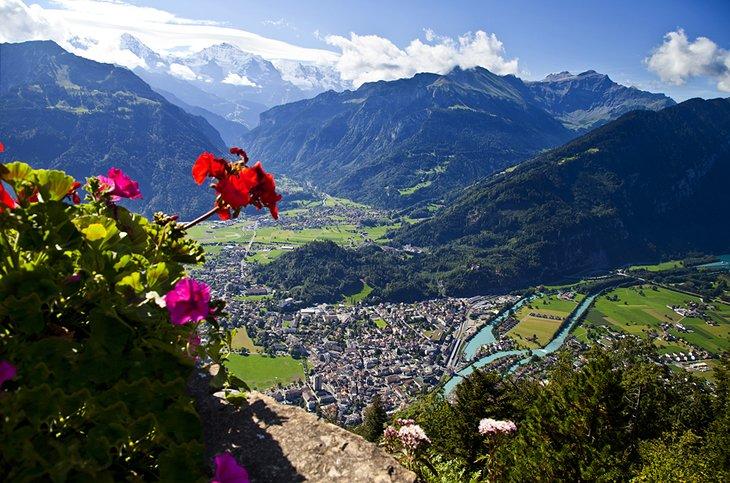 15 lokasi tarikan pelancong yang paling popular di Switzerland