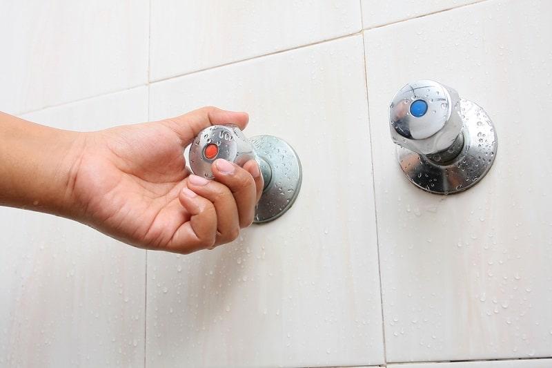Mandi air sejuk atau panas yang manakah lebih baik ?
