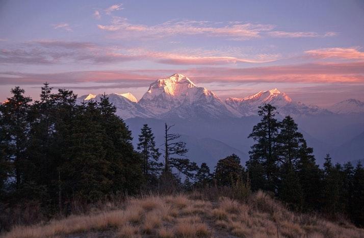 https://coresites-cdn-adm.imgix.net/mpora_new/wp-content/uploads/2020/06/Seventh-Highest-Mountain-In-The-World-dhaulagiri.jpg?fit=crop