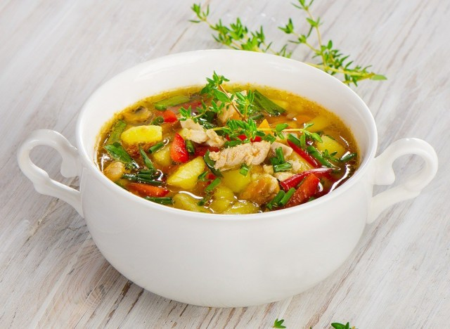 https://i0.wp.com/www.eatthis.com/wp-content/uploads/media/images/ext/771081289/chicken-vegetable-soup.jpg?w=640&ssl=1