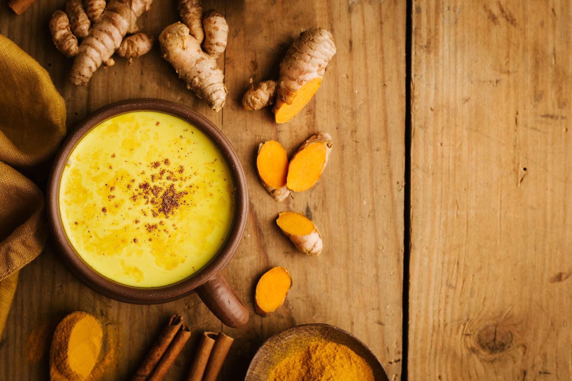 10 khasiat Susu Emas atau Susu Kunyit dan cara menyediakannya