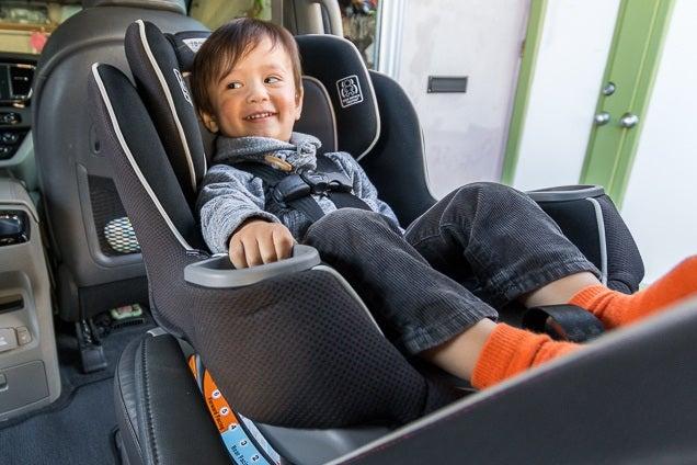 Ketahui jenis dan keselamatan Car Seat untuk si kecil anda